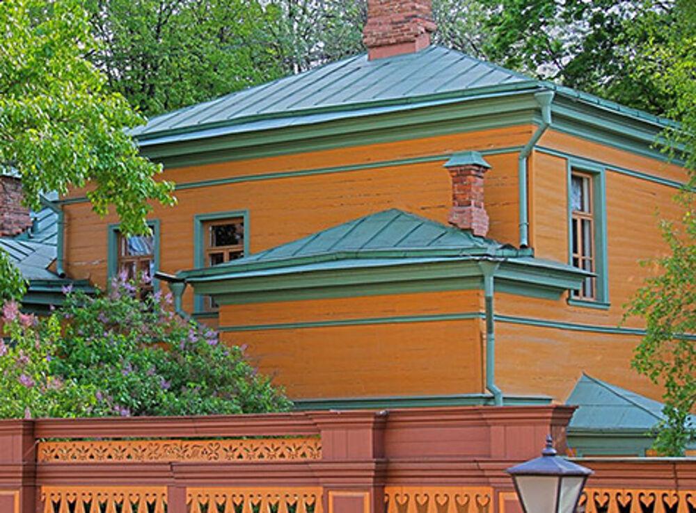 Экспозиция музея-усадьбы Л.Н. Толстого «Хамовники»