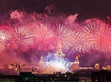 Салют в День России на теплоходе «Москва-150»