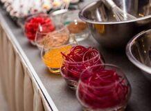 Приготовление апельсиновых спагетти, малиновых и фруктово-ягодных пузырьков, панакоты