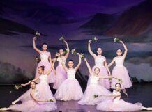 Новогодний балетный спектакль «Волшебный глобус». Танцы народов мира