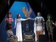 Юлий Цезарь и Клеопатра<br>