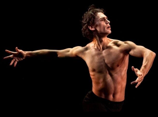 Рождественский вечер балета «Christmas Балет-Гала». «Щелкунчик». Новая версия в Москве, 17 декабря 2020 г., Государственный Кремлевский Дворец